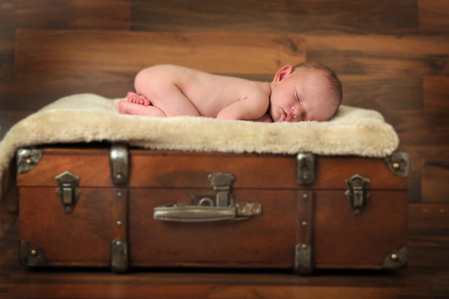 Newborn Photographers in Worcestershire - 012